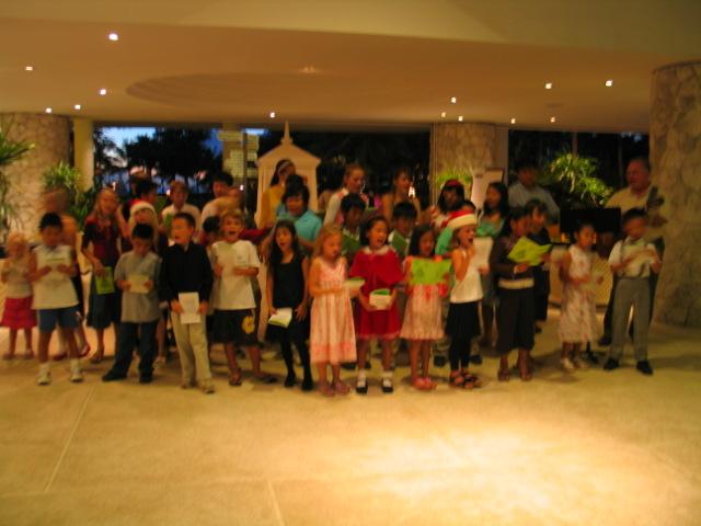 2007-12-15 Christmas carol at Hyatt 008